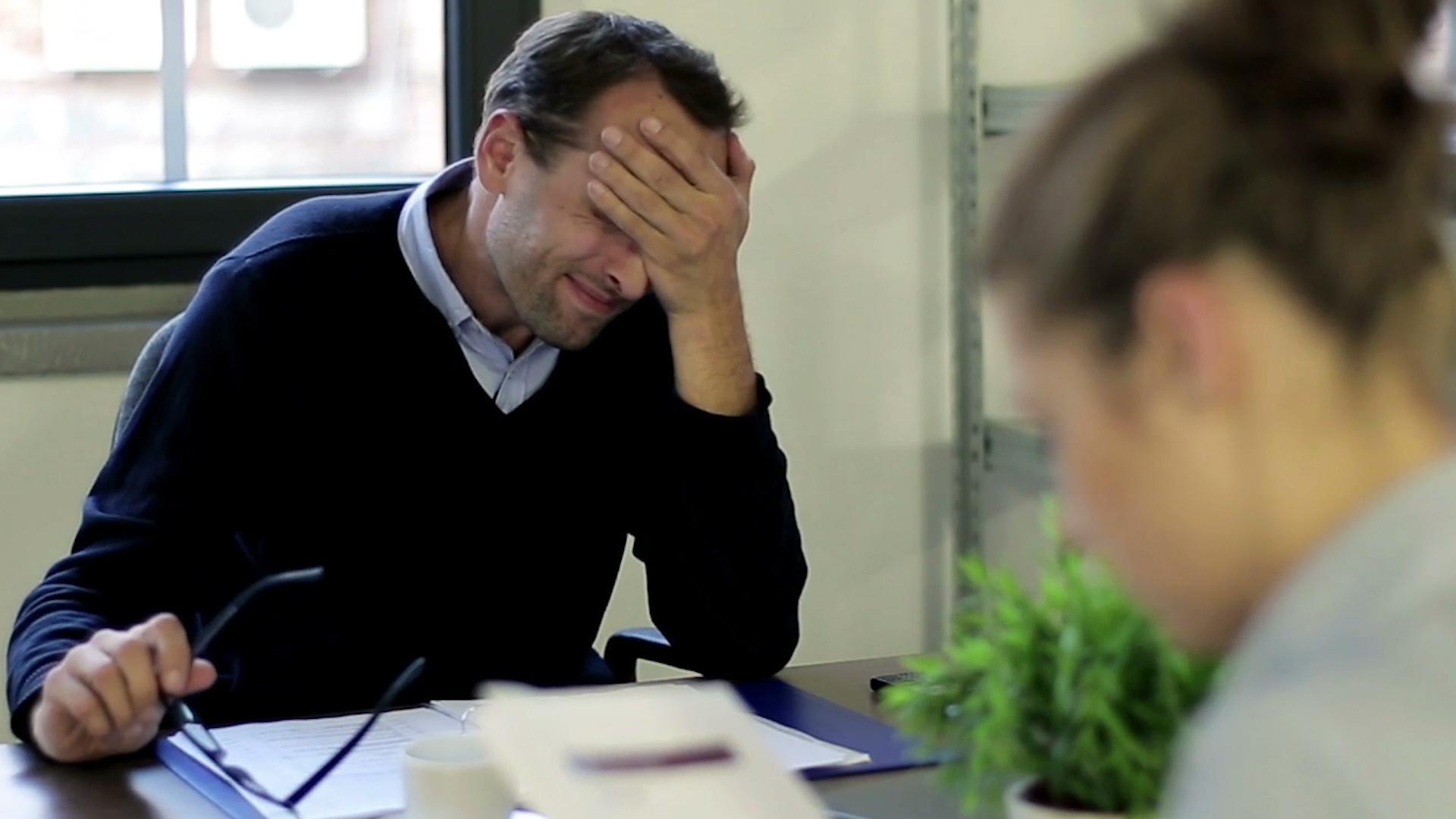 overwhelmed-worker